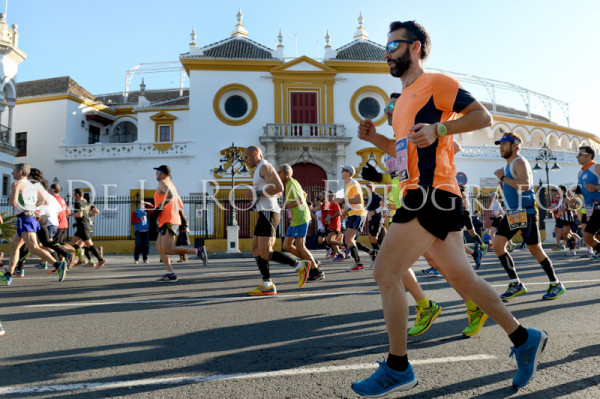 067 DAVID DE LA ROSA Zurich Maraton Sevilla 2015
