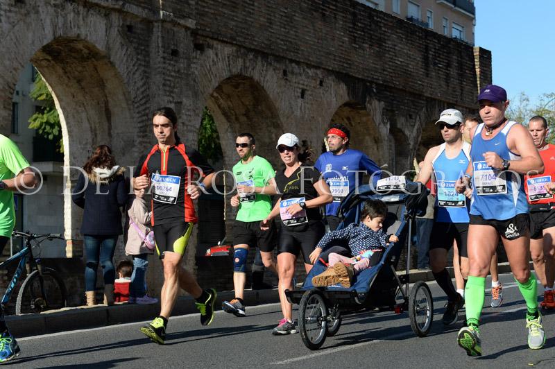 159 DAVID DE LA ROSA Zurich Maraton Sevilla 2015
